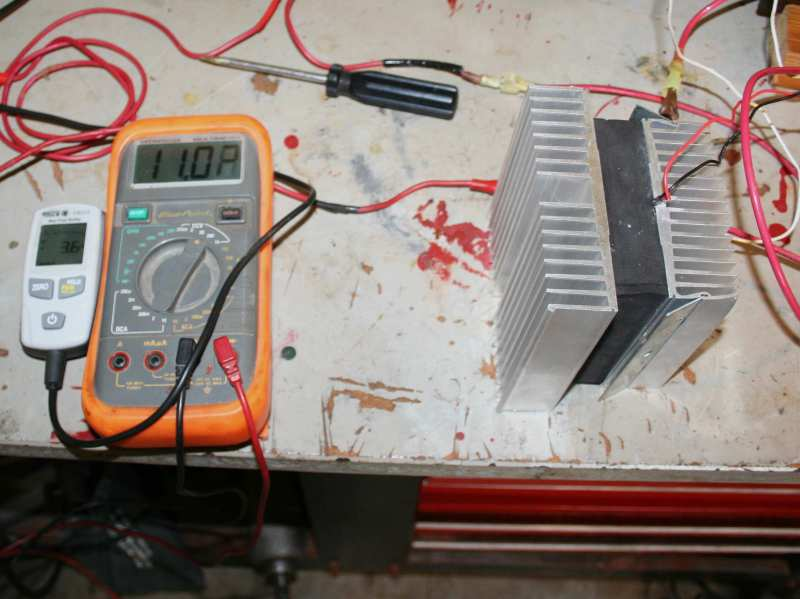 LWKW 0318Ampmeter U0026 Voltmeter Closeup: Test Current Draw Going Into The  LWKW 0318