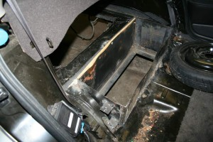 Aug23Middle Battery Box 4